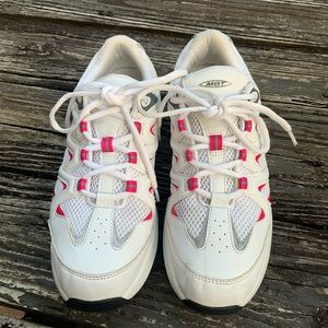 LIKE NEW MBT Women's Sport 2S Walking Shoe